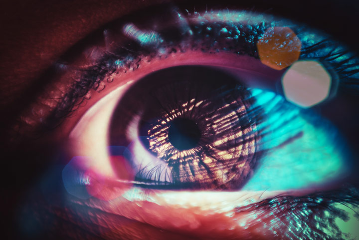 closeup image of eye with lens flare - brainspotting